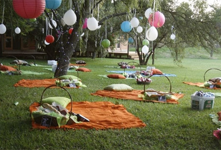picnic blanket wedding reception